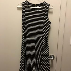 JCrew striped dress size 2. Great condition